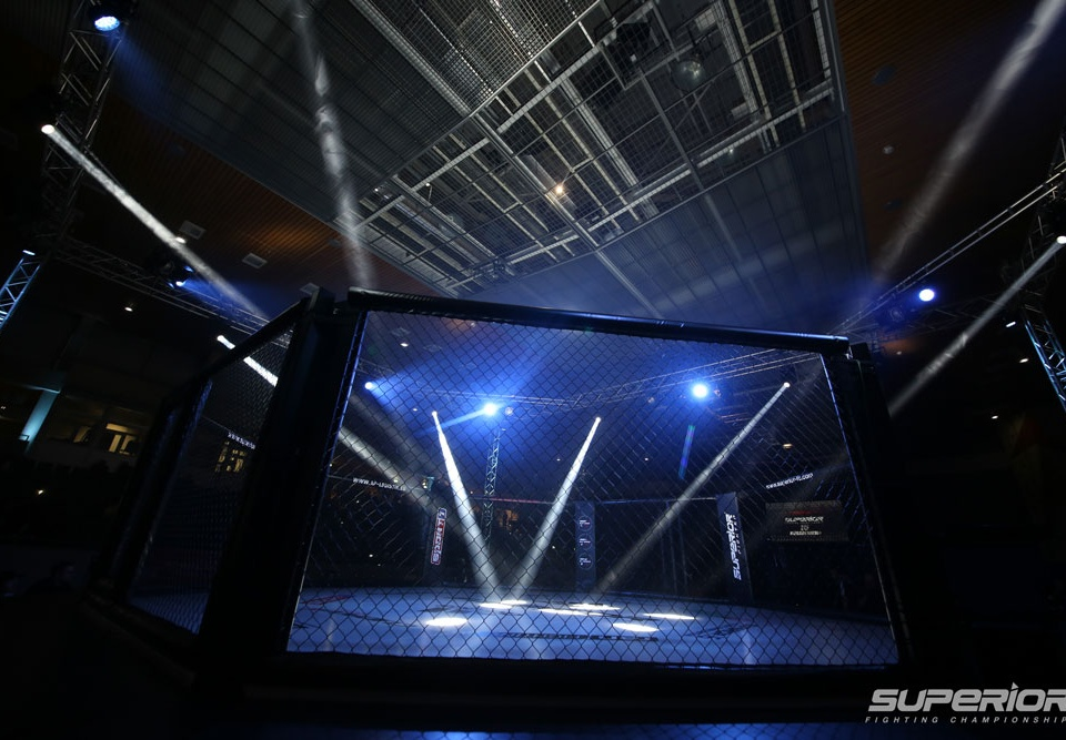mma. arena, halle, superior fc, fighting championship, cage, cage fight, box, mma, mixed martial arts, octagon, fight, foghtcard, fight card,